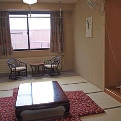 *【ダボス館】和室10畳+広縁