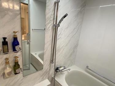お風呂はパナソニック1316サイズ。透明ドア・透明窓付きで開放感!一人露天風呂気分が味わえます。
