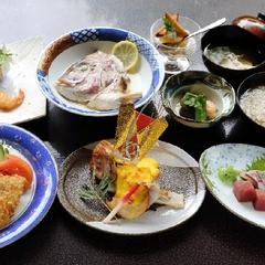 【「ゆとり」会席◇ポイント2倍】季節ごとの美味しい料理をお部屋食で★青メノウの温泉で癒されます