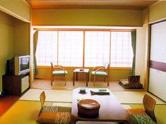 和室6〜8畳(トイレ付)