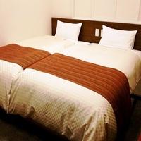 【ベッドを付けてキングサイズ仕様へ】 ツインルームキングサイズ仕様プラン 【素泊まり】