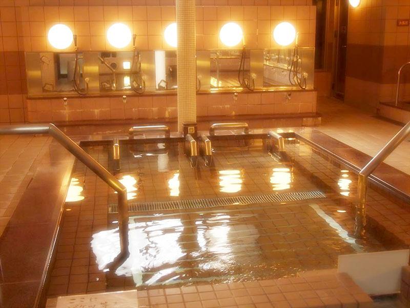 藤の湯の湯船