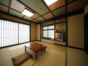 ☆1日2組限定〜洗面・トイレと小さいお風呂(UB)付客室