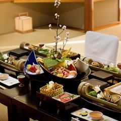 ゆっくりとプライベートな時間を満喫☆日本の絶景と自慢のお料理を味わう当館人気お部屋食プラン