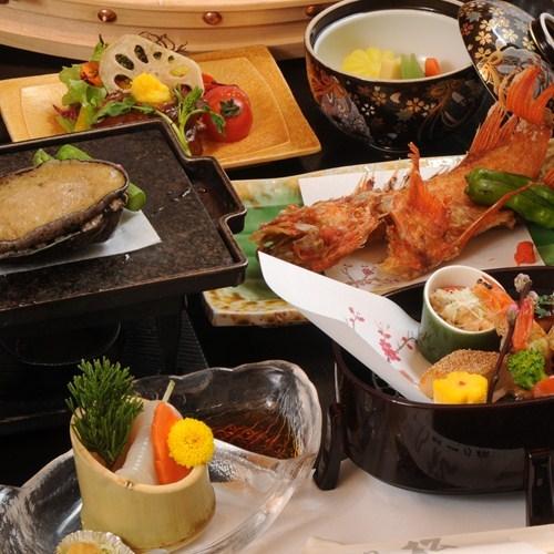 …当館最高ランクの特別膳…旬の素材を味わうお部屋食プラン 【匠-たくみ-膳】