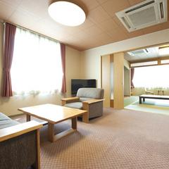 【展望準特別室|紫苑】和室10畳+応接間(川側/禁煙)