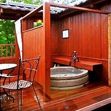 ◆和室8畳テラス源泉掛流し露天風呂◆足湯付き客室【207】