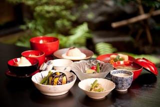 心静かにプチ修行【写経体験・特別精進料理プラン】1泊2食付