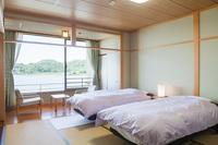 湖一望の和室にベッド2台(10畳・2〜3名様)
