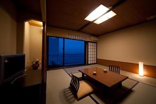 訳あり!階段利用客室(和室8畳)<一部海側・お食事処>