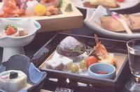 【ひとり旅♪】 鮑&お造りグレードアップで満腹満足 [お部屋食]