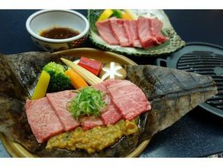 【日本三名泉】A4飛騨牛Wステーキ140g♪ 王様プラン【現金特価】