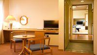 〈喫煙可〉コネクトルーム 西館10畳+洋室ツインルーム