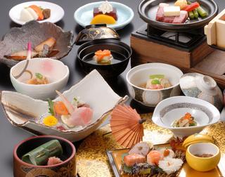 ★箱根でお正月★ホテルおかだ 和食ダイニング山桜にて和食会席膳プラン 年末年始 年越 正月