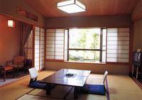 和室10畳 (バス・ウオシュレット・洗面付・広縁付き)