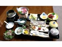 アメニティ付きでお得☆食事の品数は少なめ☆食事は朝夕「食堂」で♪温泉でゆっくりスタンダードプランA