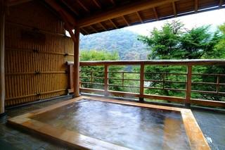 【60歳以上限定】箱根旅行をのんびり満喫!景色極上の貸切露天と有田焼で食す厳選メニュー♪平日プラン♪