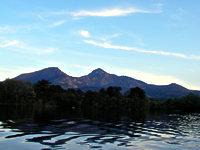 4つの湖から選べるスモールマウスバスフィッシング釣りパック、1泊素泊まり+ボート1日付きプラン