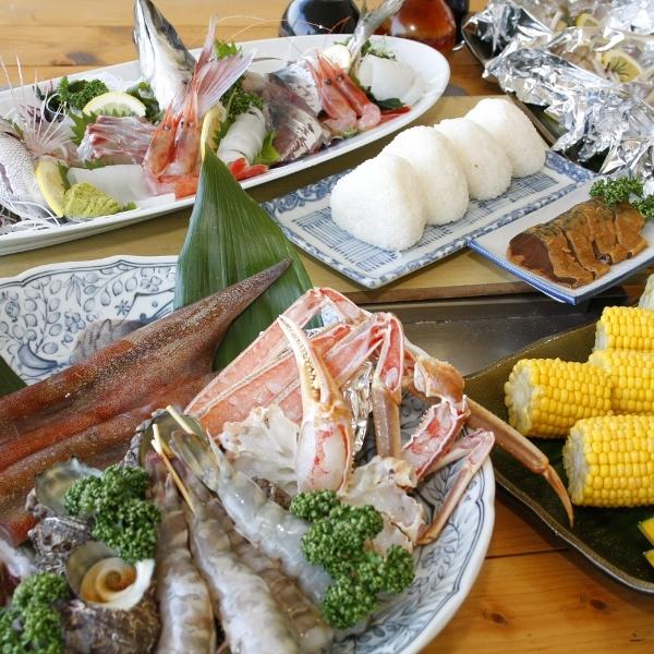 【春の海をひとりじめ!】海鮮6種×牛・豚カルビ×鶏炭火焼♪春のまんぷくBBQプラン♪