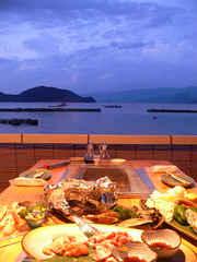 夕暮れテラスで海を見ながら天然活黒アワビ&若狭牛×極厚タンステーキ☆贅沢炭火焼きフルコースプラン
