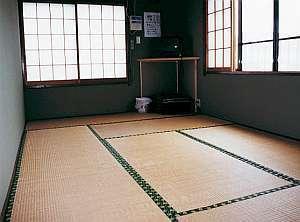 フアミリータイプ10畳(白い砂)