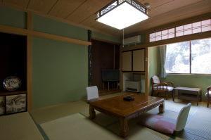 山側和室10畳◆3階