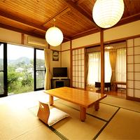 1階和室10畳◆広々角部屋♪