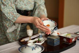 【お部屋食】≪女性限定≫とろみ湯で潤肌へ★美肌湯グッズプレゼント付プラン