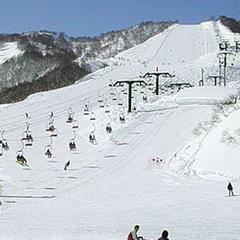 【朝食付】スキー場直結!レンタルも充実♪朝ごはん食べて元気に遊ぼう!