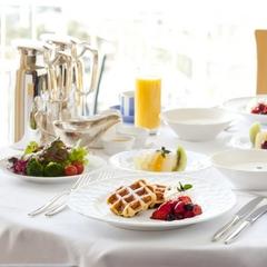 インルームの特製朝食付 12時アウトのレディスプラン