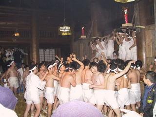 この日だけ!日本三大奇祭・裸押合い大祭体験