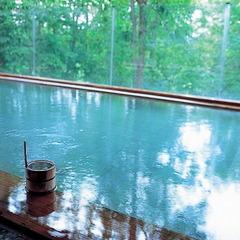 【ホテル甘露の森基本プラン(夕朝食付)】温泉と自慢の食事☆夜はロビーで森の演奏会♪