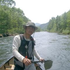 癒しの清流尻別川へ。水面を滑るように下る。【カヌーツーリング】体験付プラン♪