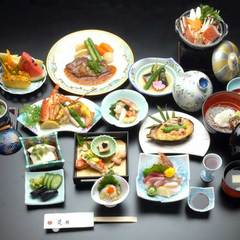 【胡蝶の膳】特別室で過ごす華やぎに満ちた寛ぎを・・・