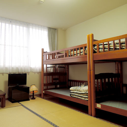 Japanese-Style Room Double Bunk Beds