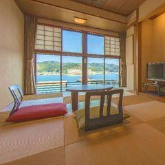 小湊の海を望む和室【約8畳・3名定員】