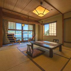 小湊湾を望む・ゆったり二間和室【10畳+4.5畳・6名定員】