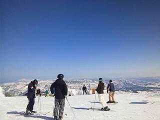 【平日限定】温泉とスキーをじっくりと★現金決済特典:リフト2日券付連泊プラン