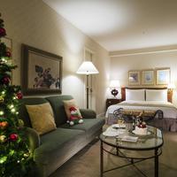 【クリスマスタイム】お部屋をクリスマス装飾!パティシエ特製クリスマスケーキとシャンパン付
