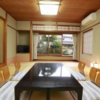 【日本庭園一望】和室10帖+4帖♪バス付き