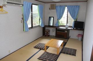205号室 化粧台付き 10畳和室