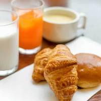 【事前カード決済限定お得プラン】事前決済でチェックインがスムーズに★香ばしいパンの軽朝食付き♪