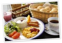 ★全室海側テラス付★海まで30秒!遅めのチェックインOK!朝食付きプラン