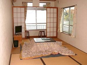 2階海側:9畳バストイレ付和室(※禁煙室※)