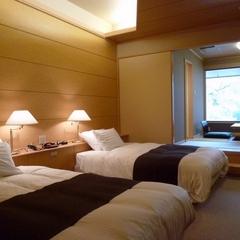 【渓谷側】 露天風呂付客室 (和洋室B) 禁煙室
