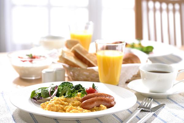 ☆人気イタリアンレストランの和・洋・彩りバイキング朝食付き☆駐車場無料利用をお約束☆