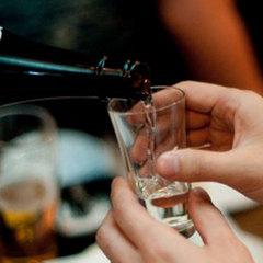 【食を愉しむ大人旅】利き酒師の主人が厳選する飛騨の銘酒を愉しむ利き酒付き特典<ランクアッププラン>
