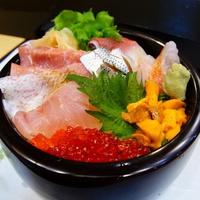 【地元密着型宿泊プラン】【平日限定】夕食は地元お寿司屋さんで海鮮丼を満喫♪遅い食事もOK