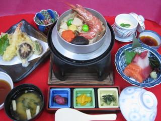 【平日限定】 釜飯!得々☆2食付プラン〜ちょっと贅沢なご夕食と、朝食バイキング付き〜