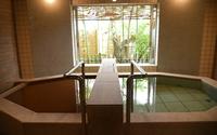 【個室ダイニング】神戸ビーフ×鮑付きの創作会席料理コースと8か所の家族風呂